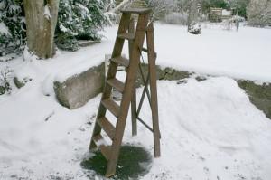 Fin gammel trappestige ca. 142 cm. høj.