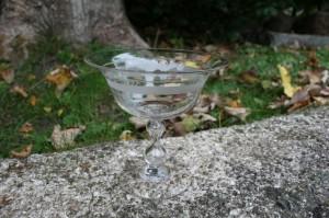 Antik glasopsats skål med rydberg slibninger, ca. 12,3 cm. H. og 12,2 cm. Ø