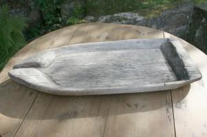 Skøn antik osterende træfad fra omkring 1800, ca. 80x32 cm.
