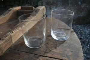 Antikke vandglas / overhændsglas, ca.8,2-8,5 cm høje.
