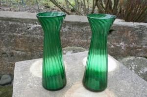 Et par grønne antikke zwibel hyacintglas, ca.21,2-21,5 cm.