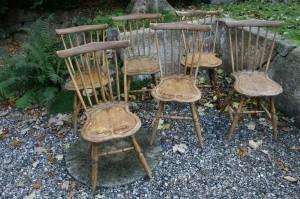 6 stk. antikke pindestole i fin stand, med original bemaling og stafering, ca. 84 cm høje.