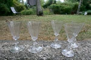 Antikke snerleglas paraply glas, 2 store og 3 alm. ca. 11,7 cm og 11,2-11,6 cm. høje.
