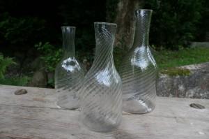 Antikke vandkarafler med optisk spiral første halvdel af 1800 tallet, ca. 27,5 - 23,5 - 22 cm høje.