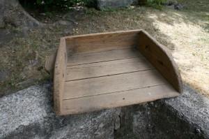 Rustik gammel dejbakke, kan bl.a. bruges til planter m.m. 50 cm bred og 41 cm dyb.