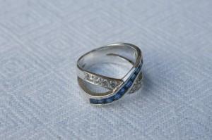 Ring i sølv med sten
