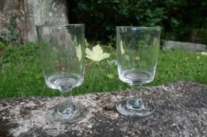 Antikke beatriceglas fra Ålborg glasværk, ca. 13 og 13,3 cm. høje.