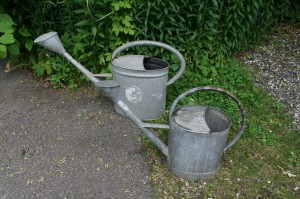 2 gamle zink vandkander.