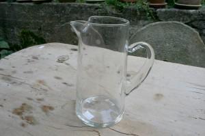 Fin antik glaskande, ca. 18,5 cm. høj.