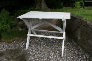 Antikt gammelt havebord hvidt, ca. 99x60x74 cm.