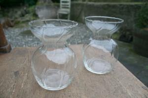 2 klare hyacintglas, ca. 12,8 cm.