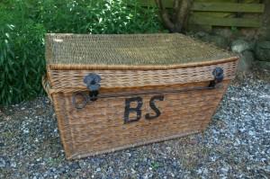 Fin gammel kurve kuffert, ca. 85x50x46 cm.