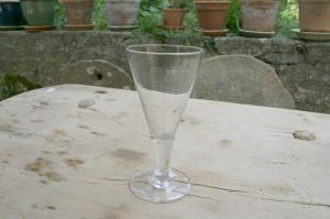 Stort antikt spids glas fra 1800 tallets midte, Ca. 17,7 cm højt.