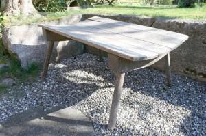 Stor antik vaskebænk, kan bl.a. bruges til plantebord,mål:122x80 cm.