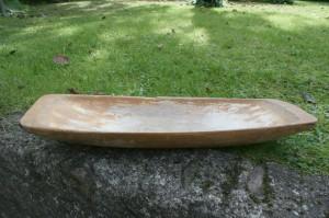 Fint antikt træfad, ca. 57x19 cm.