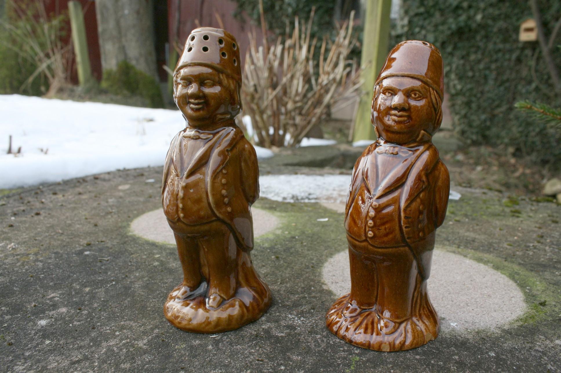 Et par antikke Bornholmske pebbersvende.