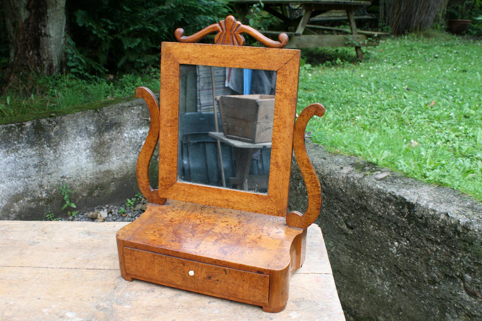 Vippe spejl i birketræ antikt.