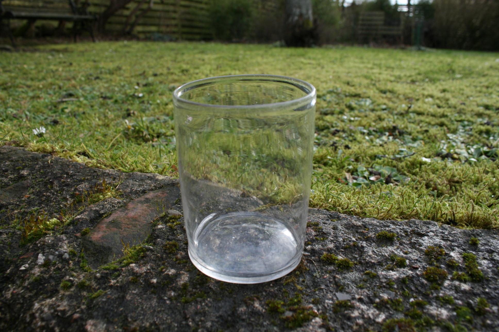 Antikt vandglas fra sverige lige sider.