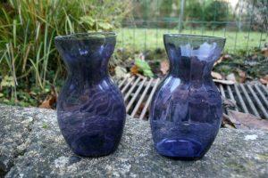 Fint violet hyacintglas fra kastrup glasværk, ca. 14,5 cm. højt.