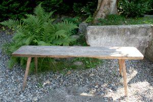 Antik rustik bænk til haven eller indendøre, ca. 148x29x50 cm.