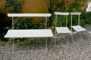 Fine gamle have-møbler bænk og 2 stole i jern og træ bemalet, ca. 104 cm. lang