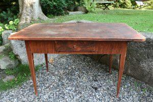 Fint antikt bord med skuffe, kan bruge som skrivebord m.m., ca. 123x69x73,5 cm.