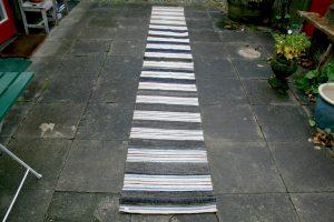 KLudetæppe nr. 346, ca. 435x57 cm.