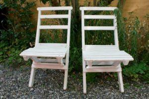Et par havstole hvide til at klappe sammen.