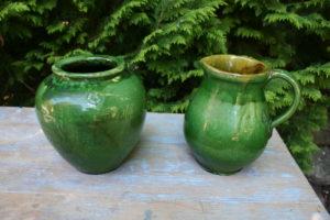 Fin ler krukke og kande i grøn, ca. 20 og 21 cm høj.