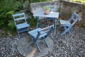 Gammelt fint have-møbel sæt til børn, i fint stand og til at klappe sammen.