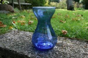 Blåt gammelt hyacintglas.