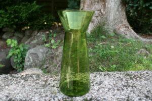 Gammelt lys grøn hyacintglas, ca. 19,5 cm højt.