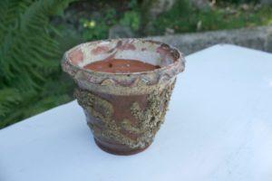 Lille antik urtepotte i fin stand, 11 cm i diameter og 10 cm høj.