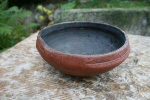 Fin antik drikkeskål bemalet, ca.18 diameter og 7 cm høj.