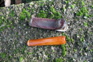 Cigar rør i rav med lille etui.