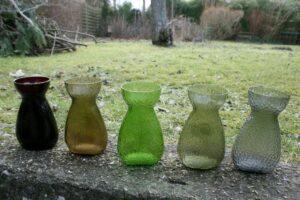 Hyacintglas i forskellige farver fra Kastrup/Fyns glasværk.
