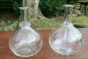 Antikke vandkarafler vin karafler, ca. 21 - 22 cm høje.