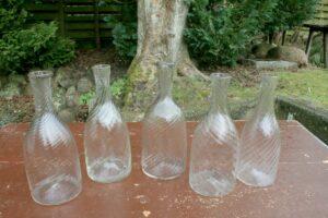 Antikke svenske vandkarafler snoet, friblæste og i fin stand, ca. 26,5 - 28,5 cm høje.