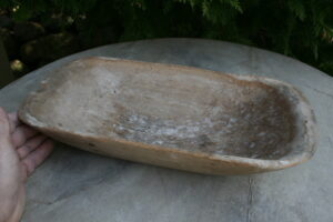 mindre antikt træfad/skål fra sverige, ca. 35x16,5x6,5 cm.