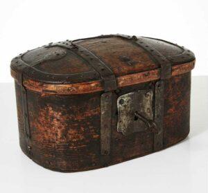 Fin antik rejseskrin fra sverige første halvdel af 1800 tallet.