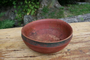 Antik Norsk ølbolle trækkesål bemalet originalt, ca. 24 cm i diameter og 11 cm høj.